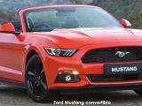 Ford Mustang 5.0 GT convertible auto - Thumbnail 2