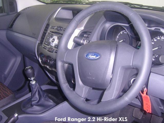 Ford Ranger 2.2 4x4 XLS auto
