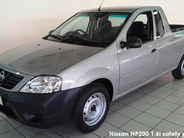 Nissan NP200 1.6i safety pack
